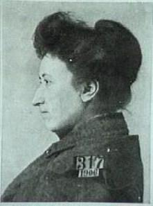 rosa-luxemburg-prisoner-2-warsaw-1906-iish1